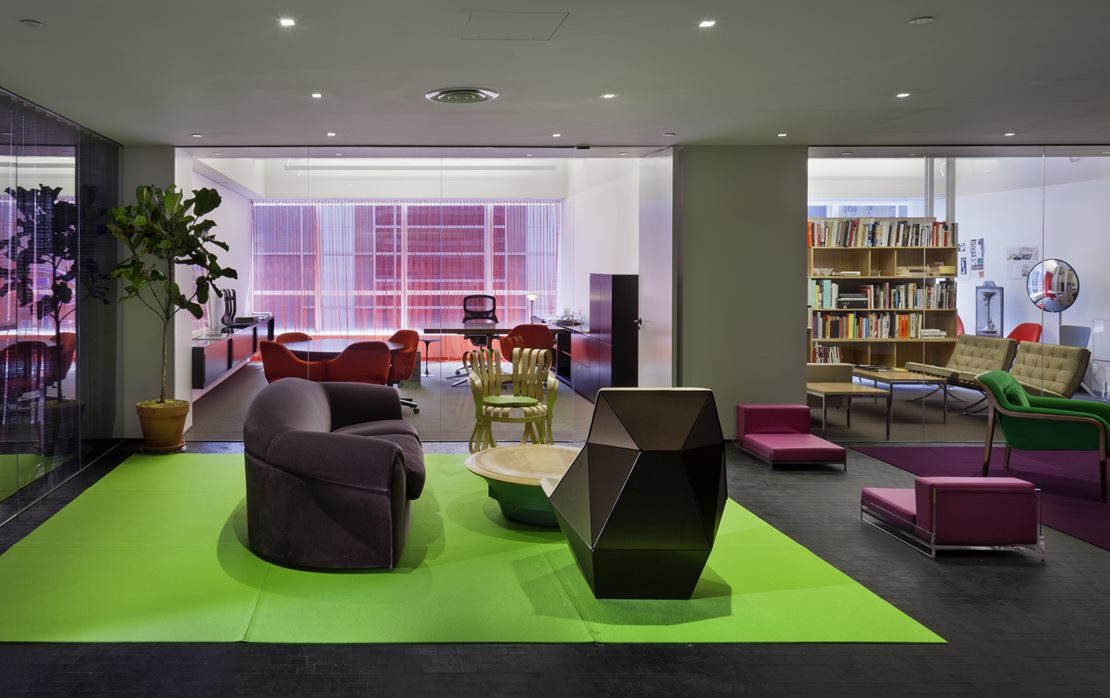 Knoll Flagship Offices, Showroom & Shop